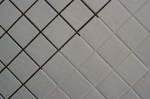 Limpeza de azulejos antigos