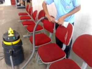 Limpeza de cadeiras