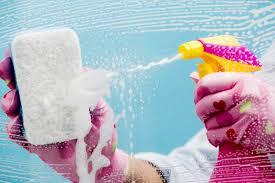 como-limpar-vidro-do-box-do-banheiro