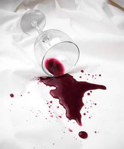 Como tirar mancha de vinho com bicarbonato